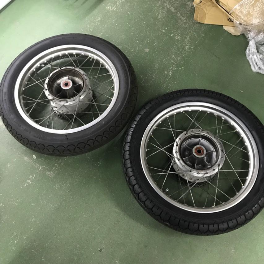 SR400 タイヤ交換