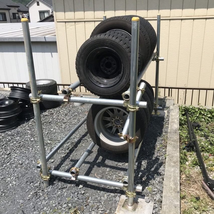 単管パイプ タイヤラック